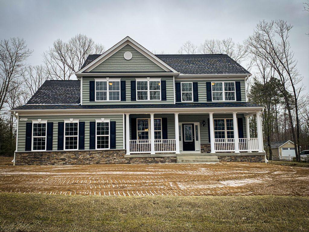 White-Lilac-Farmhouse