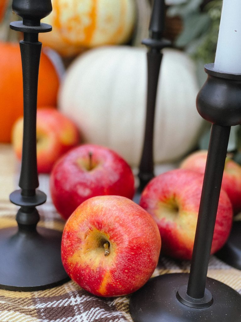 Outdoor Fall Table Setting 1.JPG