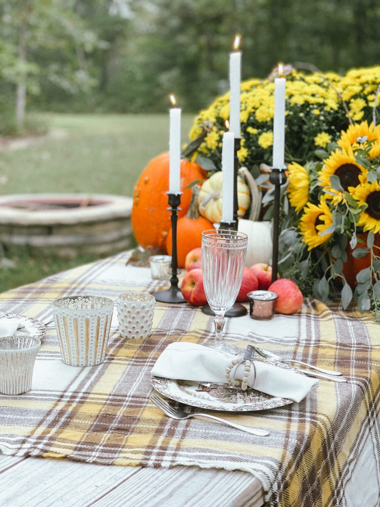 Outdoor Fall Table Setting.jpg